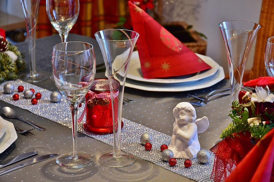 Christmas Table Decorating1