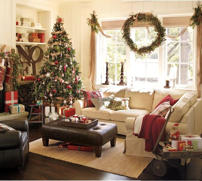 Amazing 31 Christmas Living Room Design Ideas