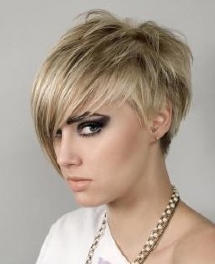 Gorgeous hairstyles for short hair 18