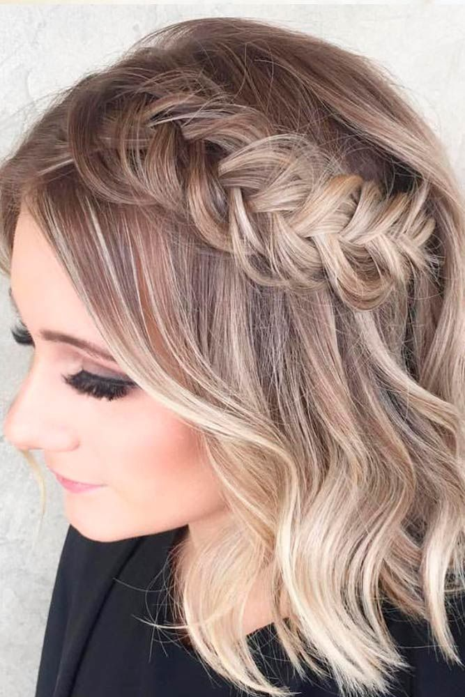 Gorgeous hairstyles for short hair 30