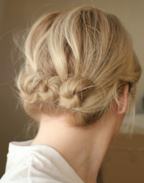 Gorgeous hairstyles for short hair 43