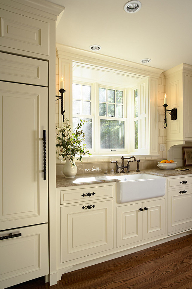 Creamy White Kitchen Cabinets