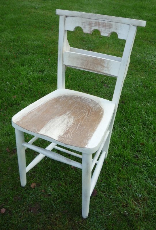 Painted and Distressed Kitchen Chairs