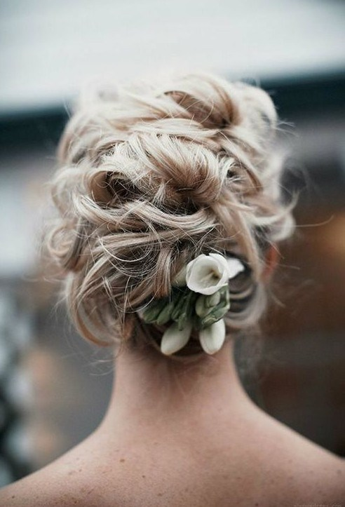 Beautiful Wedding updos for 2018 14